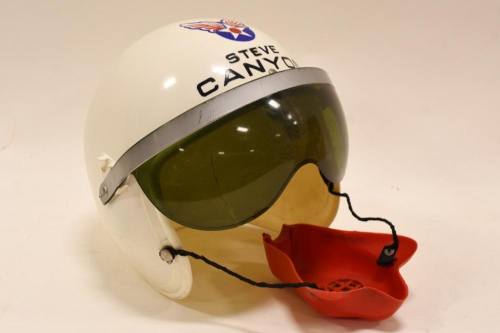 Canyon helmet pendant