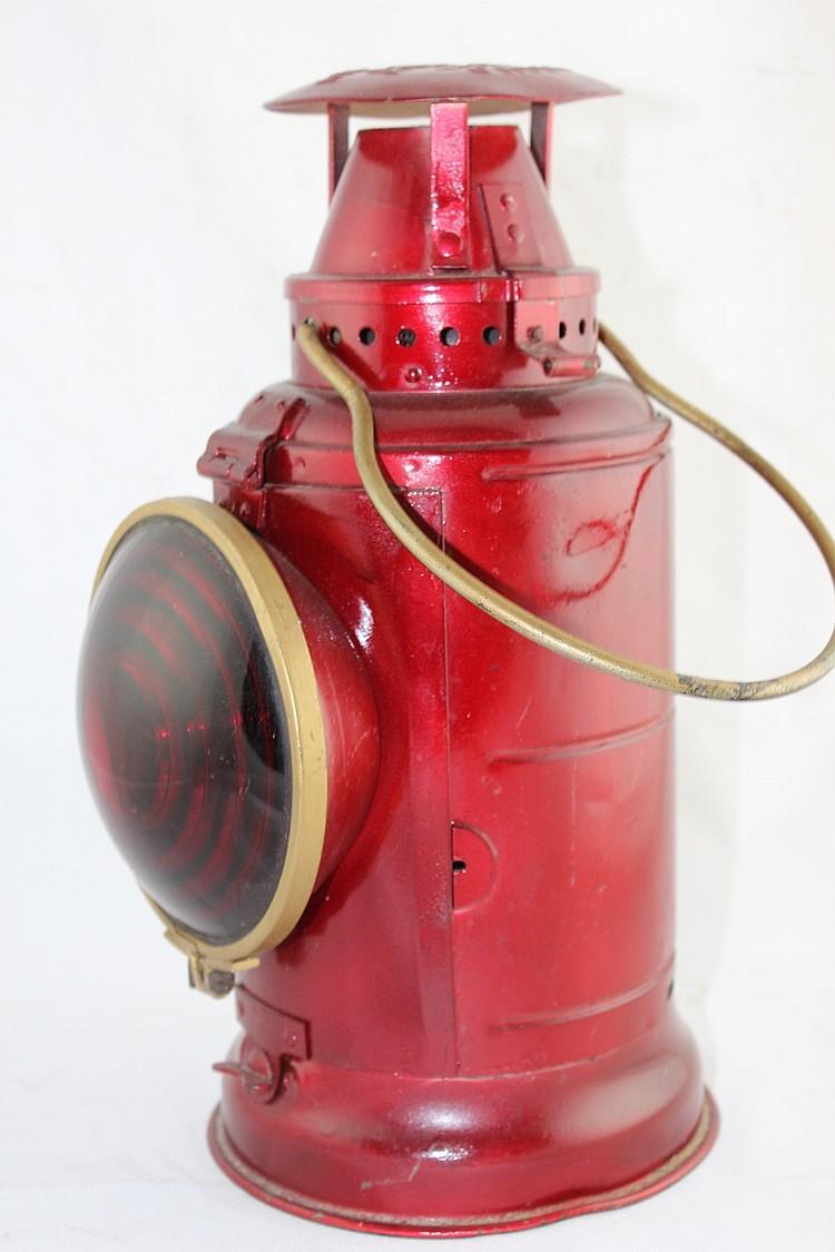 Adlake Non-Sweating Railroad Lantern (Red)