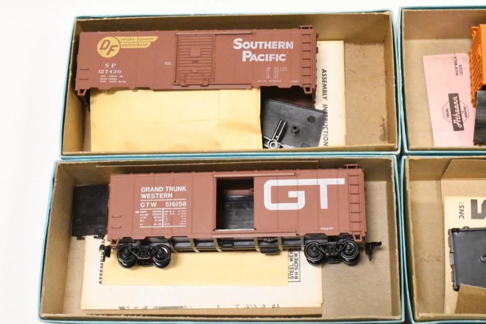 Vintage Athearn HO Train Car KIt Lot