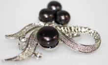 RIBBON BLACK PEARL BROOCH