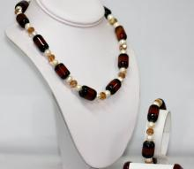 450.01 CTW Black Carnillian And White Pearl Necklace an