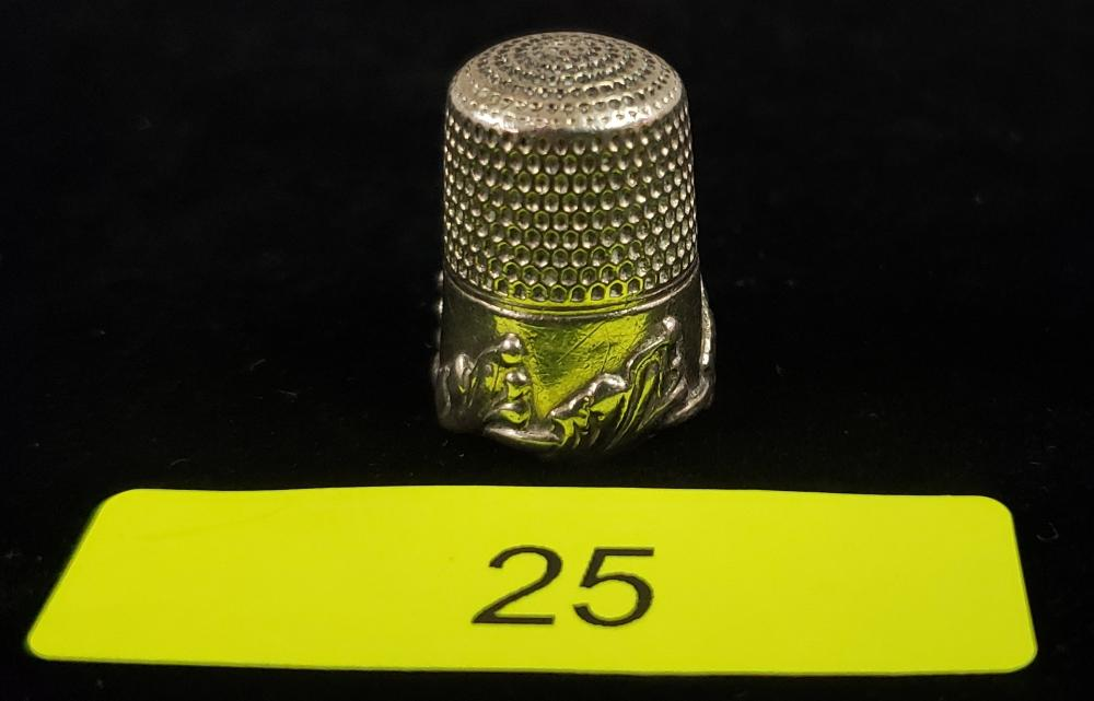ANTIQUE STERLING SILVER #8 THIMBLE