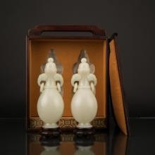 QING PAIR OF PALE CELADON PEAR JADE VASES IN WOODEN BOX