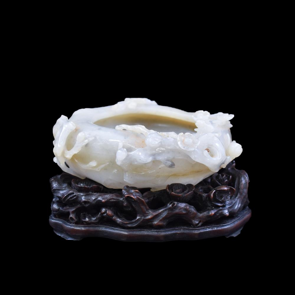 WHITE JADE BRUSH WASHER