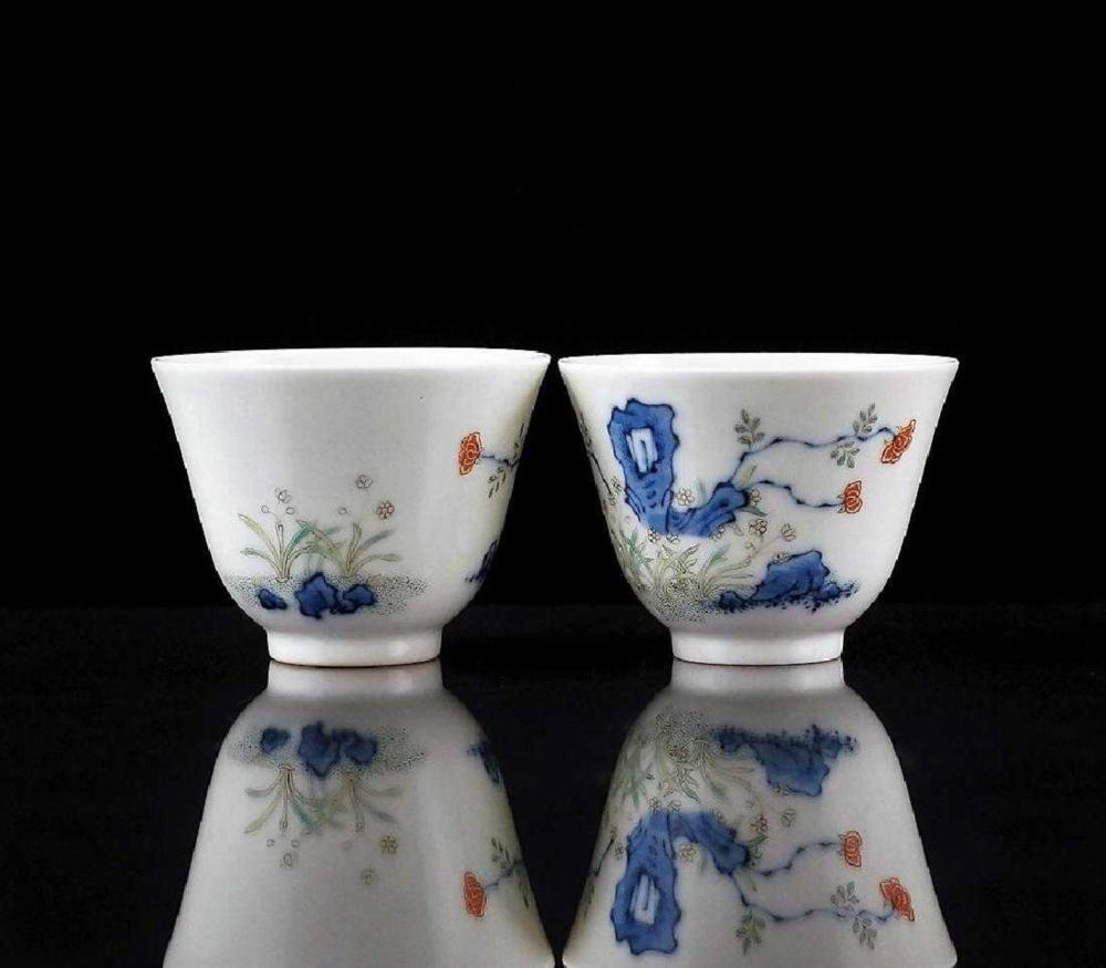PAIR OF TONGZHI PORCELAIN WINE CUP