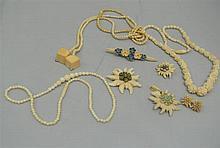 Lot ivory jewelery