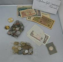 Lot circulation coins and bills, all the world.