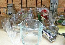 Large resolution item, consisting of glasses, figures, etc.
