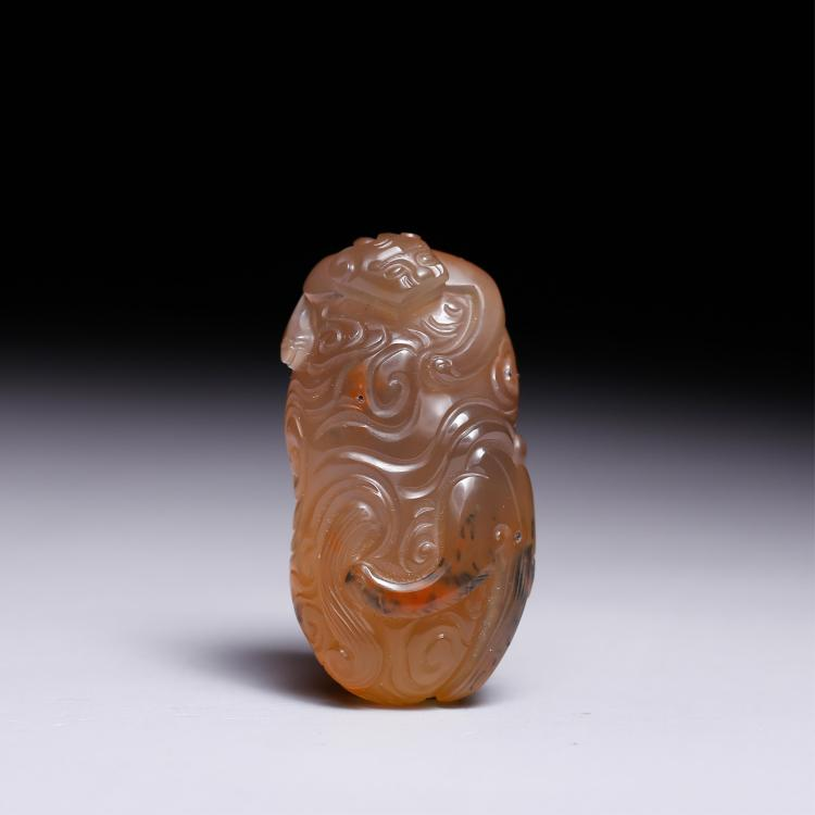 CHINESE AGATE CARVED DRAGON SEAL