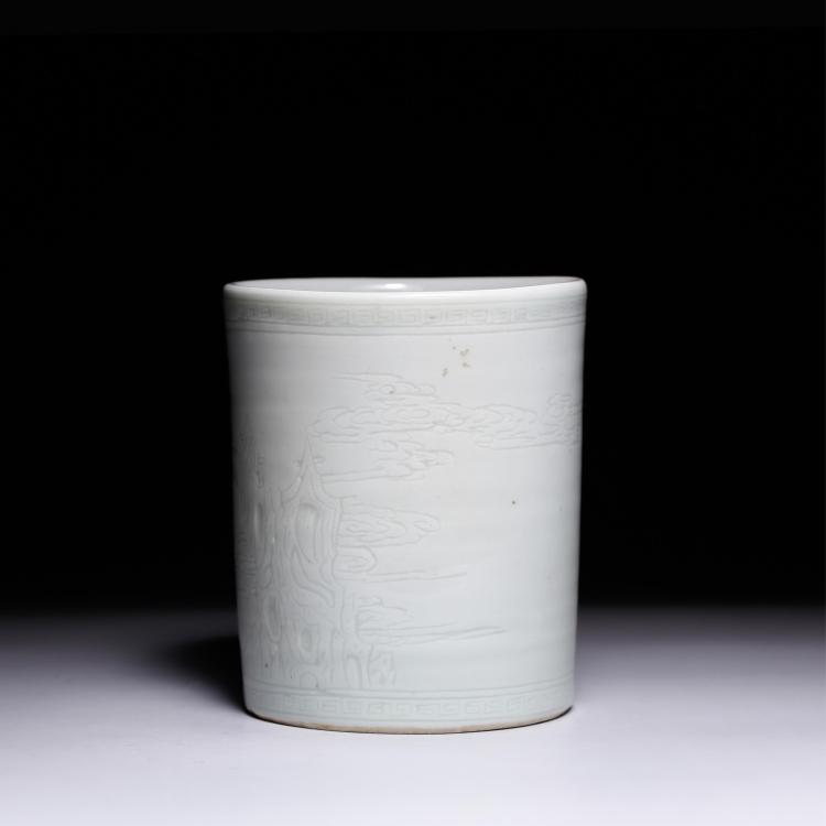 CHINESE ANHUA WHITE GLAZED BRUSH POT