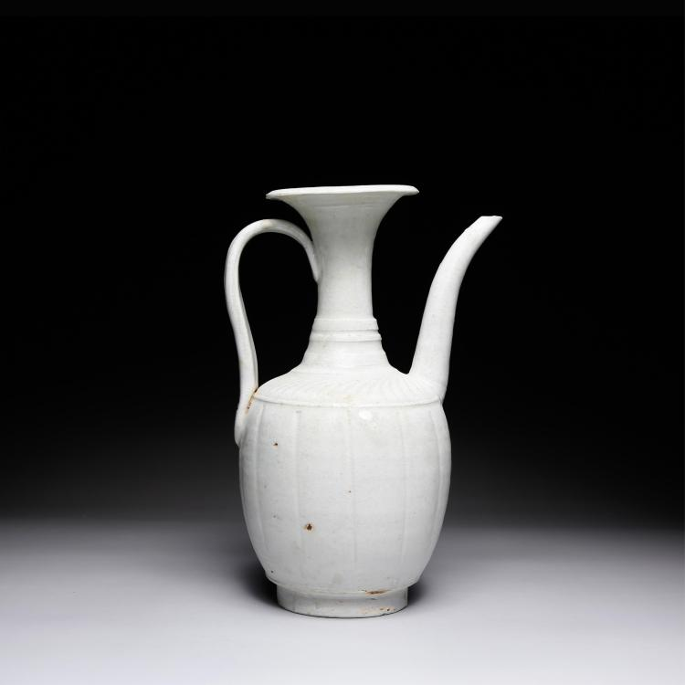 CHINESE WHITE GLAZED WINE EWER