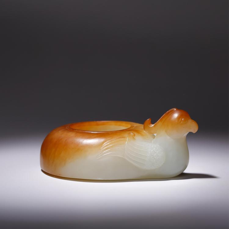CHINESE JADE CARVED WATER COUPE WITH RUSSET