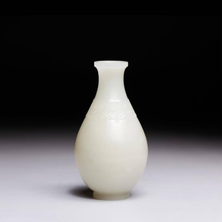 CHINESE WHITE JADE CARVED FLOWER VASE