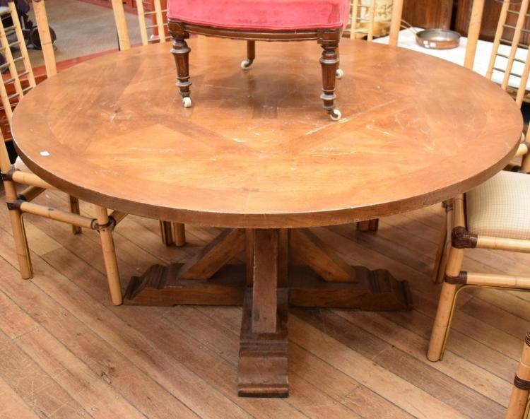 AN ANGLO INDIAN CIRCULAR DINING TABLE - scratches to top (150cm d x 75cm h)
