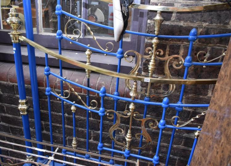 A QUALITY BRASS BED FRAME