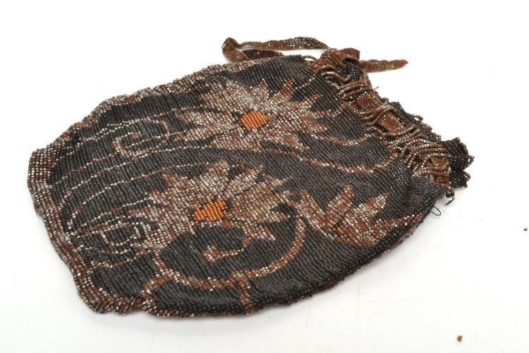 A 1930'S GERMAN BEADWORK PURSE