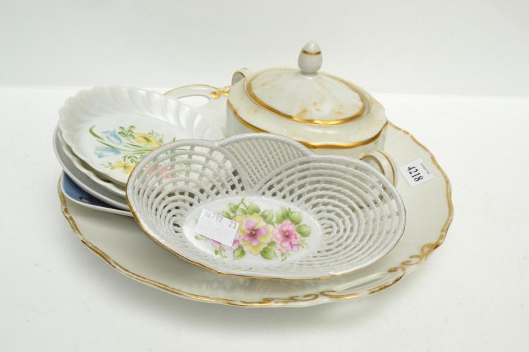A COLLECTION OF PORCELAIN INCL. ROSENTHAL AND DRESDEN