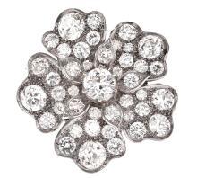 A VINTAGE DIAMOND FLOWER BROOCH