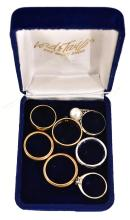 A COLLECTION OF RINGS INCLUDING 18CT GOLD