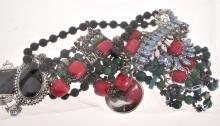 A COLLECTION OF COSTUME JEWELLERY INCLUDING BEADED NECKLACES, PENDANTS AND SCREW BACK EARRINGS