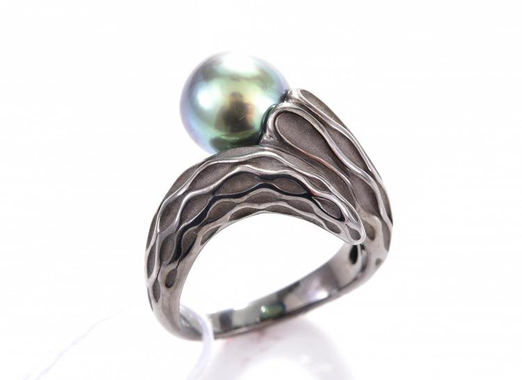 a tahitian pearl dress ring in silver