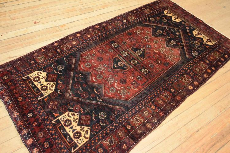 A Hand Woven Persian Rug Made In Iran Tribal Design 100 W