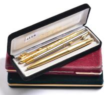 A COLLECTION OF PENS, INCLUDING PARKER