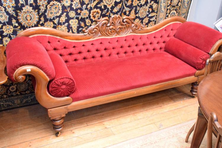 A victorian cedar double ended buttonback chaise lounge 95x for Cedar chaise lounge