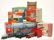 COLLECTION OF CON-COR TRAIN MODELS;