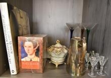 A SHELF INCL. GLASSES, PORCELAIN, SILVERPLATE TEA