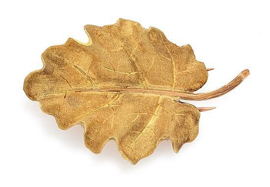 A GOLD BROOCH BY BUCCELLATI