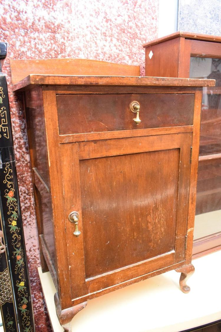 lot 1248 a victorian bathroom cabinet