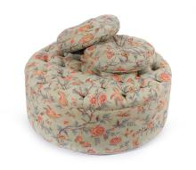 CLASSICAL CIRCULAR BUTTONED OTTOMAN WITH TWO THROW CUSHIONS