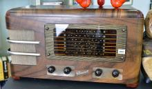 A 1940/50s CLASSIC RADIO