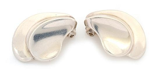 A PAIR OF EARRINGS BY GEORG JENSEN