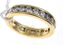 A FULL CIRCLE DIAMOND ETERNITY RING IN 18CT GOLD, TOTALLING  2.25CTS