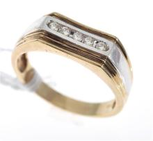 A GENTS DIAMOND SET RING, IN 9CT GOLD