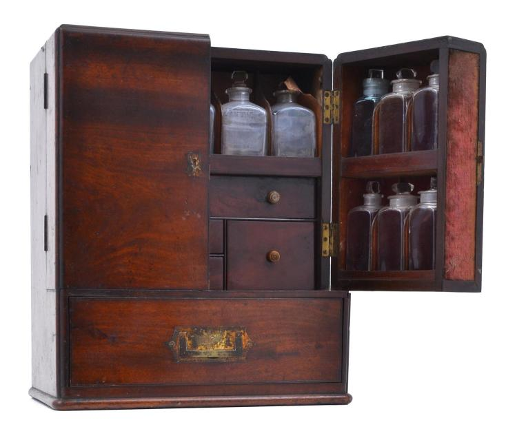 A VICTORIAN TRAVELLING APOTHECARY SET