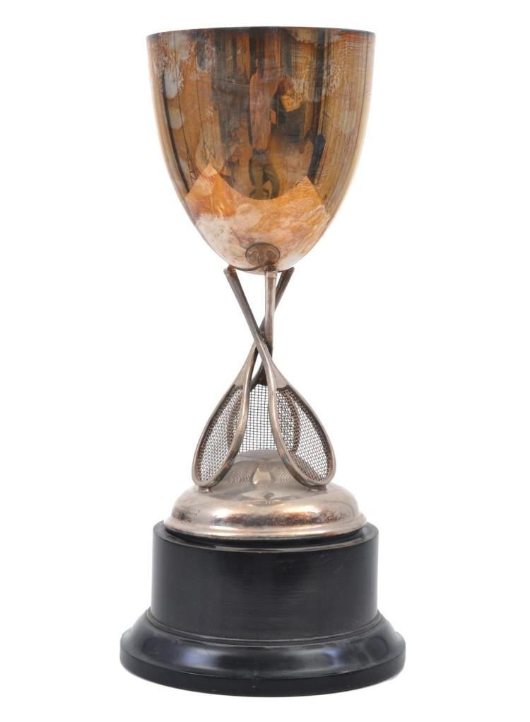 TENNIS TROPHY WITH CROSSED RACQUET MOTIF, SILVER PLATED ON WOODEN BASE C. 1935