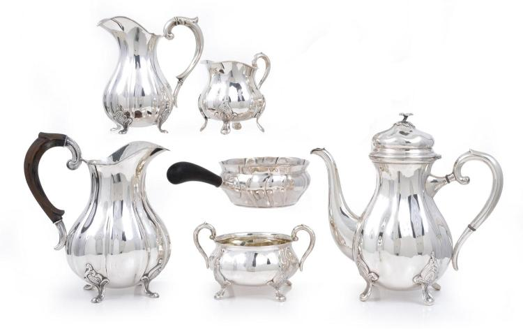 A MATCHED SIX PIECE SILVER TABLE SERVICE VARIOUS MAKERS / DENMARK / 1938-43