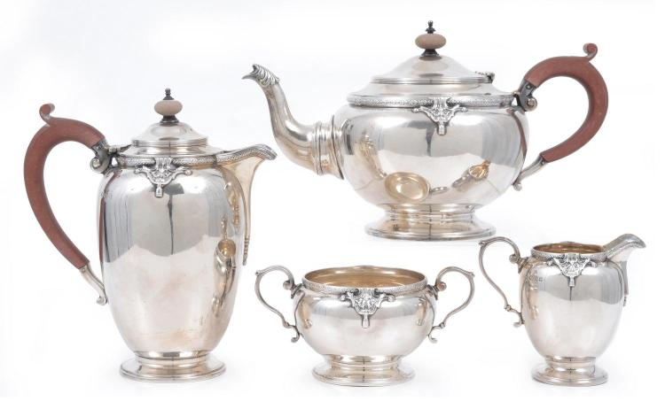 A MATCHED STERLING SILVER TEA AND COFFEE SERVICE ADIE BROS & DRUMMOND & CO. / LONDON & BRIMINGHAM / 1924