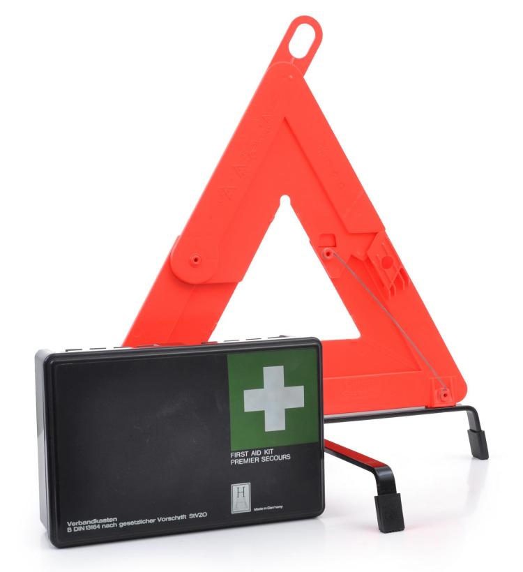 MERCEDES-BENZ FIRST AID KIT AND SAFETY REFLECTOR