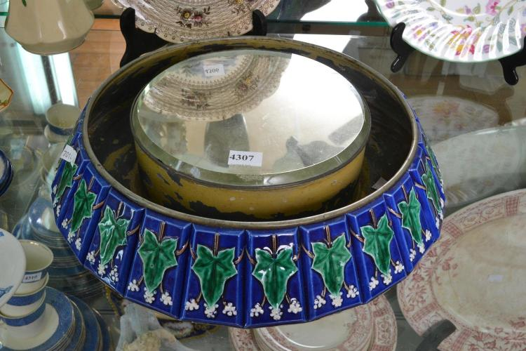 A VICTORIAN MAJOLICA TILE INSET CENTRE BOWL WITH MIRRORED CENTRE