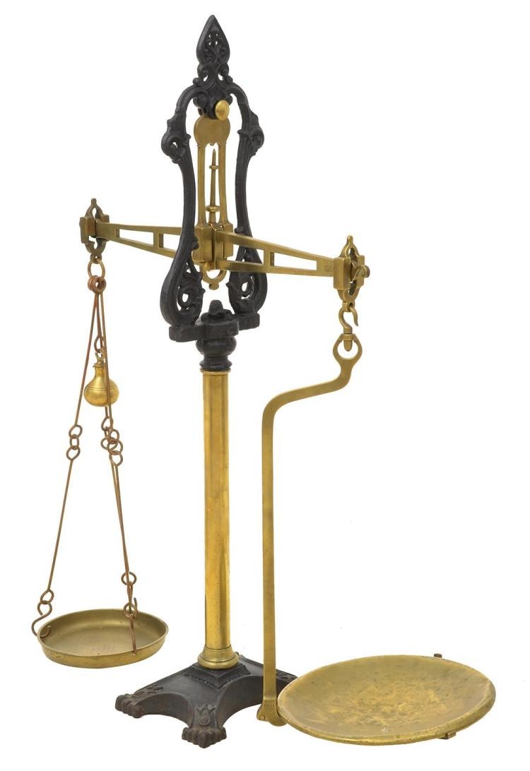 A SET OF CAST IRON & BRASS GOLD SCALES W & T. AVERY, 19TH CENTURY