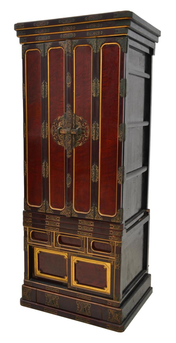 A JAPANESE LACQUERED KEYAKI WOOD BUTSUDAN 20TH CENTURY