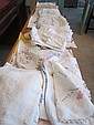 A COLLECTION OF ANTIQUE LINEN AND LACE