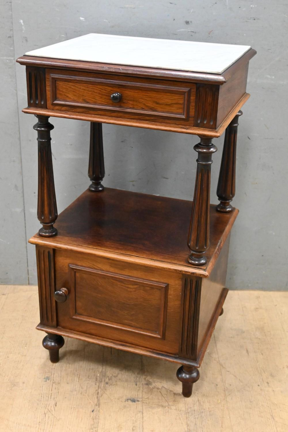 A LOUIS XVI STYLE ROSEWOOD BEDSIDE CABINET WITH MARBLE TOP, CIRCA 1900S (A/F) (84H X 46W X 39D CM) (LEONARD JOEL DELIVERY SIZE: MEDIUM)