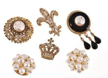 A COLLECTION OF COSTUME JEWELLERY INCLUDING BUTLER AND WILSON