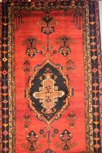 A PERSIAN TRIBAL LORI NATURAL DYES - 100% WOOL PILE, EXCELLENT NOMADIC PIECE - EXCELLENT CONDITION, (285cm X 156cm) RRP $4700