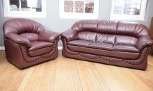 A QUALITY THREE PIECE ITALIAN FABIO MAZZARO LEATHER LOUNGE SUITE COMPRISING A THREE SEAT AND PAIR OF MATCHING ARMCHAIRS